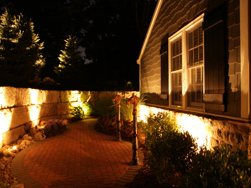 Landscape & Holiday Lighting